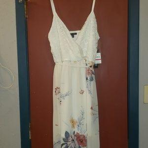 NWT AS U WISH FLORAL MAXI DRESS SIZE XL